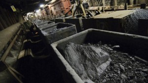 Uranium ore is loaded into rail cars at AREVA's mine (Photo: Vladimir Weiss/Bloomberg)