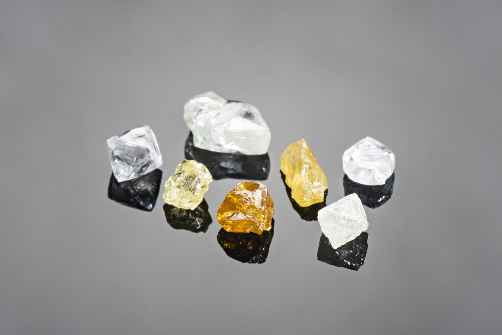 Coloured diamonds from North Arrow's nearby Q 1-4 kimberlite.  North Arrow is doing a bulk sample which, should they find plenty of rare coloured stones, will likely boost the shares of diamond explorers throughout the Northwest Territories (Image: North Arrow Minerals)