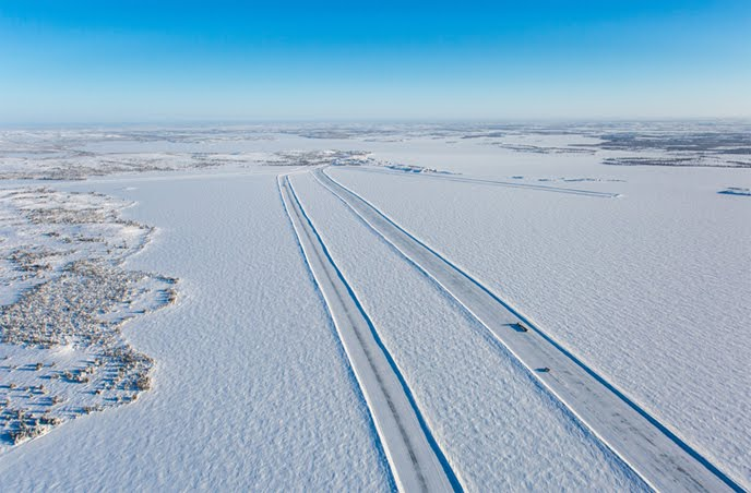 Lockhart Lake ice road, Diavik mine, North West Territories, Canada. Source: Rio Tinto